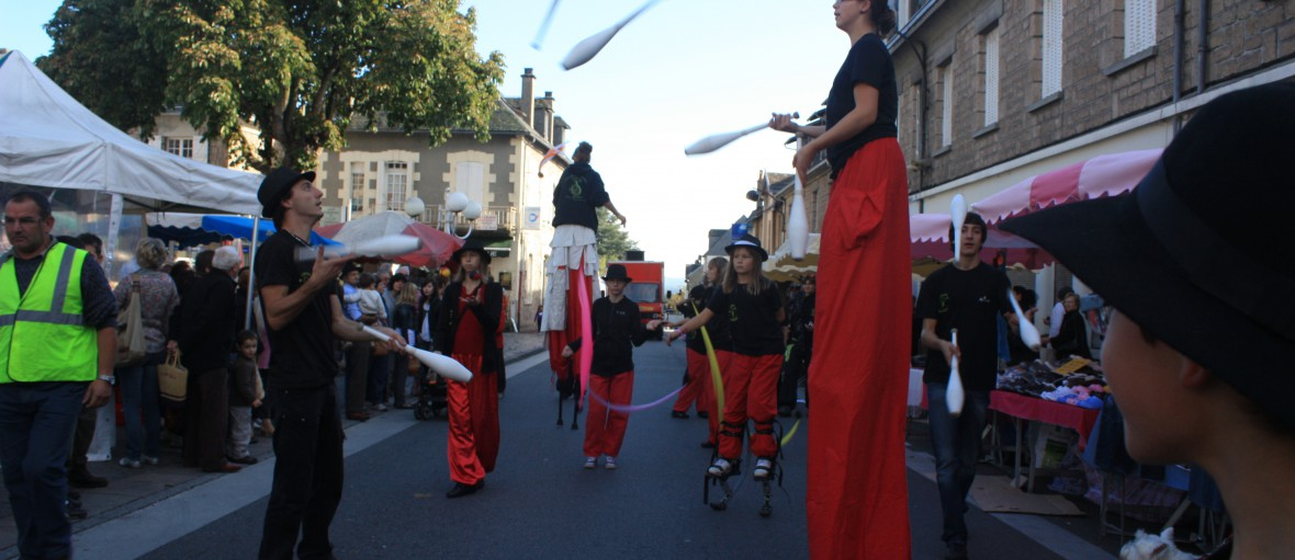 parade en ville cirque