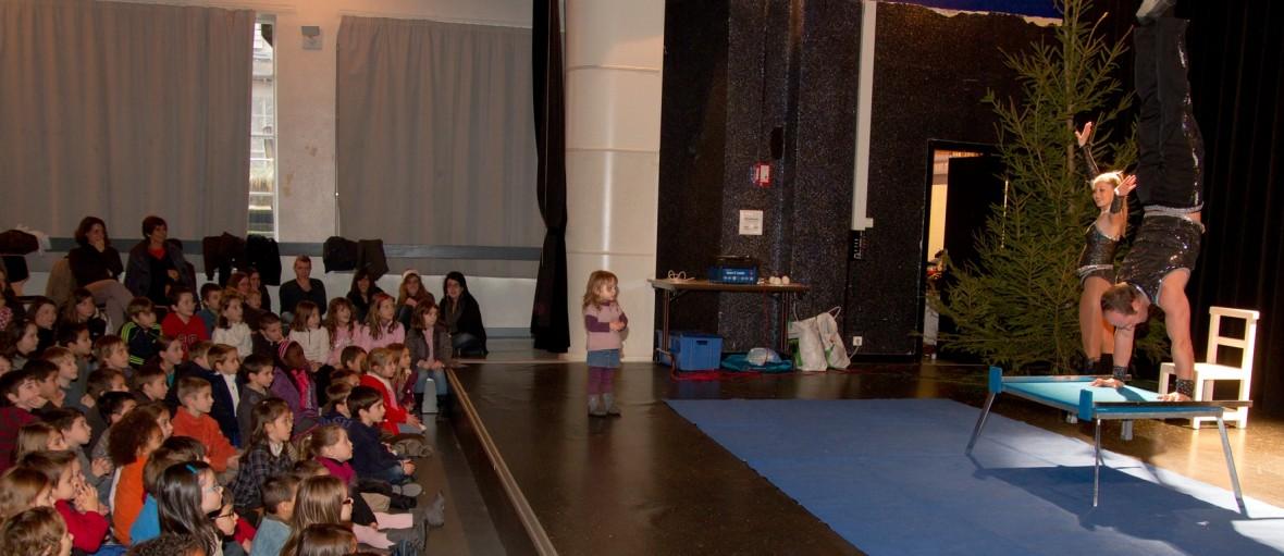 spectacle enfants kermesse ecole cirque auvergne puy-de-dome