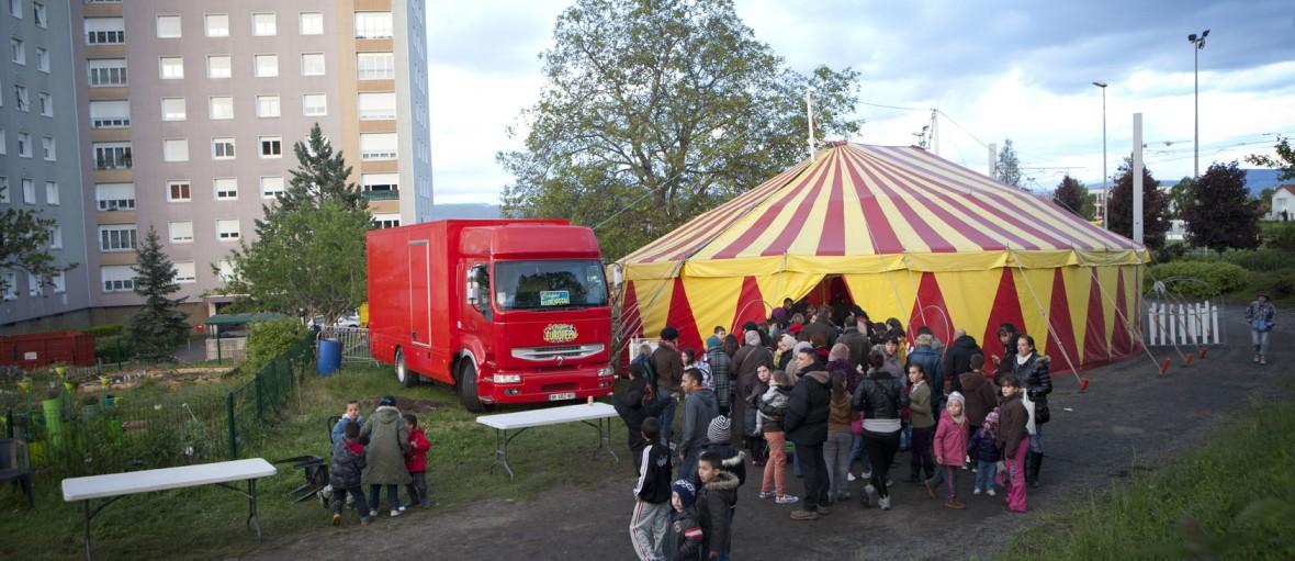 CIRQUE EVENT festival art de rue cirque quartier