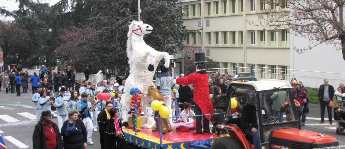 CIRQUE EVENT fete des cornards cirque 2013