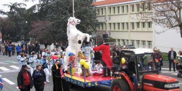 La fête et le carnaval sur le thème du cirque