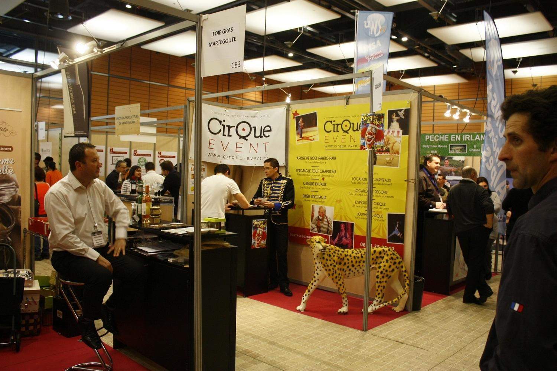 Gros succ s au salon des ce de lyon 2014 cirque event - Salon comite entreprise ...
